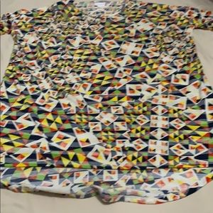LULAROE TOP WITH RED YELLOW  BLUE ACCENTS